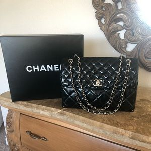 Chanel Patent Leather Jumbo Black Handbag!